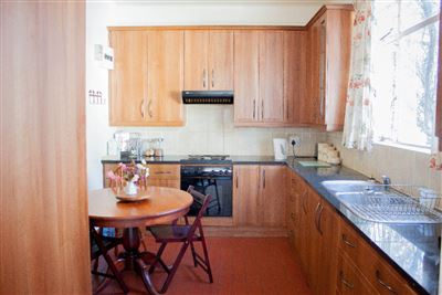 West Hill property for sale. Ref No: 13362180. Picture no 16