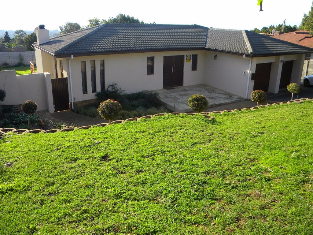 Family 4 bedroom for sale in Aurora Durbanville