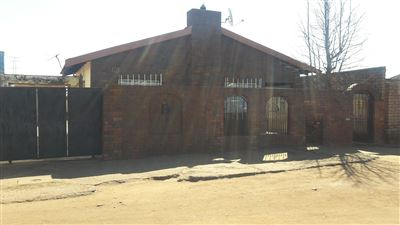 Soweto, Tshiawelo & Ext Property  | Houses For Sale Tshiawelo & Ext, Tshiawelo & Ext, House 3 bedrooms property for sale Price:POA