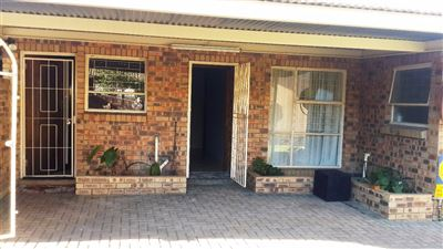 Bloemfontein, Navalsig Property  | Houses For Sale Navalsig, Navalsig, Townhouse 3 bedrooms property for sale Price:795,000