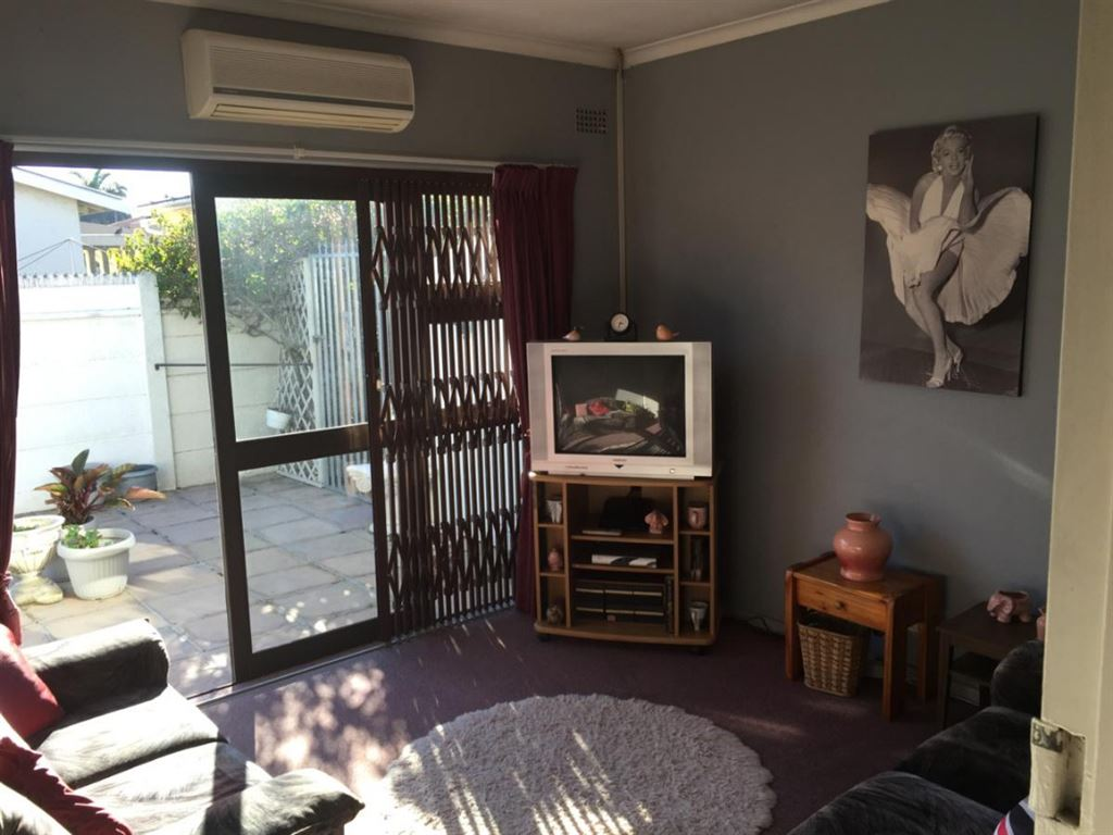 Neat 3 Bedroom house in Zoo Park, Kraaifontein