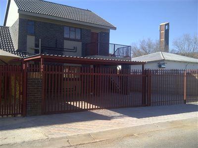 Potchefstroom, Potchefstroom Central Property    Houses To Rent Potchefstroom Central, Potchefstroom Central, Flats 1 bedrooms property to rent Price:,  3,05*