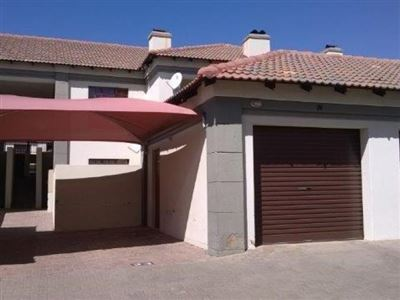 Property and Houses for sale in Heatherview, Townhouse, 2 Bedrooms - ZAR 740,000
