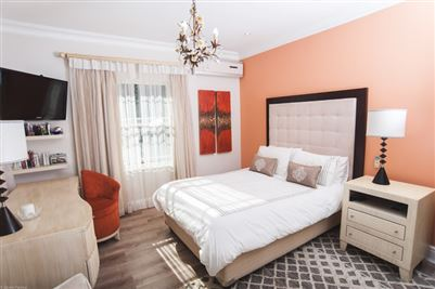 Camps Bay property to rent. Ref No: 13364959. Picture no 19