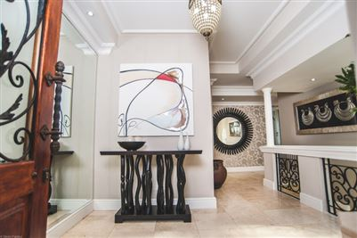 Camps Bay property to rent. Ref No: 13364959. Picture no 9