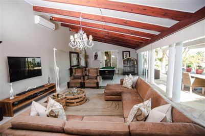 Camps Bay property to rent. Ref No: 13364959. Picture no 11