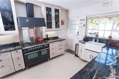 Camps Bay property to rent. Ref No: 13364959. Picture no 13
