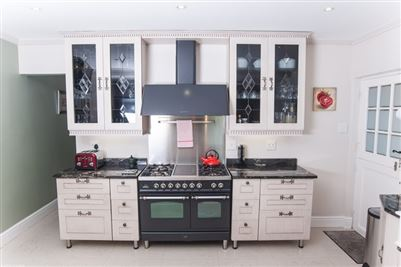 Camps Bay property to rent. Ref No: 13364959. Picture no 14