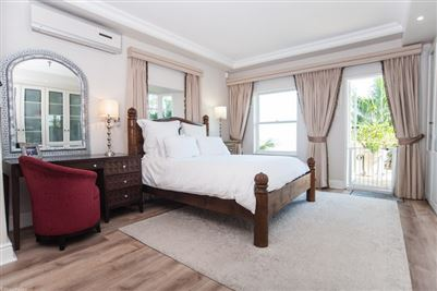 Camps Bay property to rent. Ref No: 13364959. Picture no 24