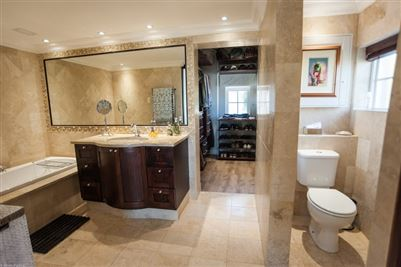 Camps Bay property to rent. Ref No: 13364959. Picture no 25