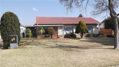 Roodepoort, Witpoortjie & Ext Property  | Houses For Sale Witpoortjie & Ext, Witpoortjie & Ext, House 5 bedrooms property for sale Price:1,188,000