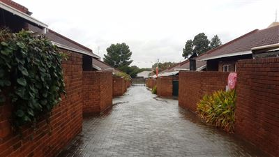 Bloemfontein, Navalsig Property    Houses For Sale Navalsig, Navalsig, Townhouse 2 bedrooms property for sale Price:590,000
