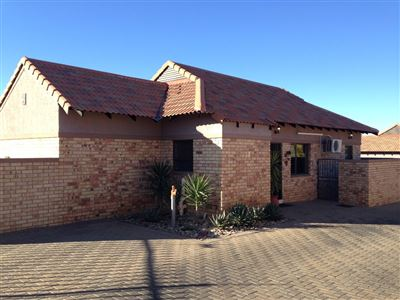 Bloemfontein, Lilyvale Property  | Houses For Sale Lilyvale, Lilyvale, Townhouse 3 bedrooms property for sale Price:1,450,000