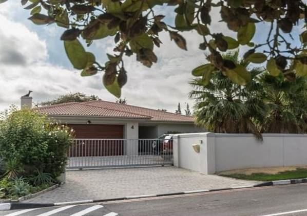 Reduced, 3 Bedroom Home for sale, Schoongezicht, Durbanville