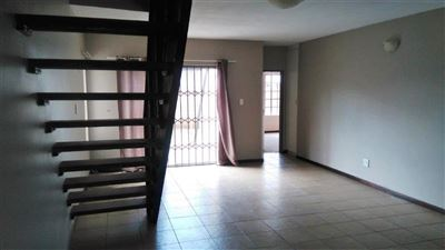 Waterkloof East property for sale. Ref No: 13367444. Picture no 8