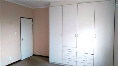 Waterkloof East property for sale. Ref No: 13367444. Picture no 11