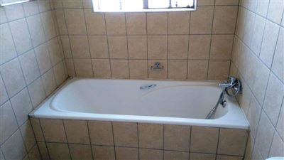 Waterkloof East property for sale. Ref No: 13367444. Picture no 14