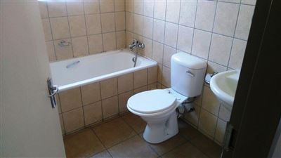 Waterkloof East property for sale. Ref No: 13367444. Picture no 17