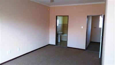 Waterkloof East property for sale. Ref No: 13367444. Picture no 16