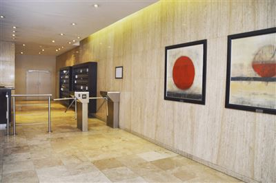 Cape Town City Centre property for sale. Ref No: 13368147. Picture no 1