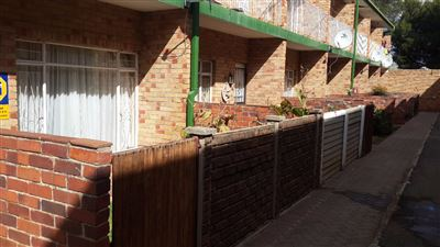 Bloemfontein, Navalsig Property  | Houses For Sale Navalsig, Navalsig, House 2 bedrooms property for sale Price:486,000