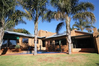 Roodepoort, Wilro Park & Ext Property    Houses For Sale Wilro Park & Ext, Wilro Park & Ext, House 3 bedrooms property for sale Price:1,895,000