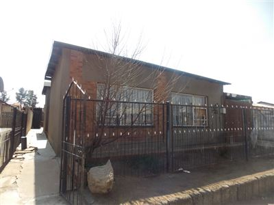 Soweto, Jabulani Property  | Houses For Sale Jabulani, Jabulani, House 4 bedrooms property for sale Price:480,000