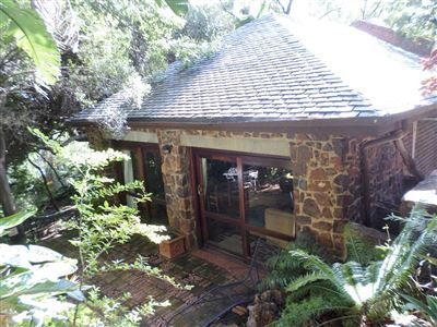 Waterkloof property to rent. Ref No: 13370347. Picture no 2