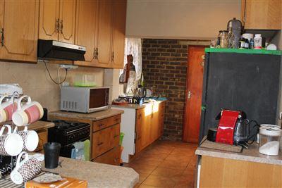 Geelhoutpark & Ext property for sale. Ref No: 13370844. Picture no 6