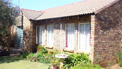 Pretoria, Karenpark And Ext Property  | Houses For Sale Karenpark And Ext, Karenpark And Ext, Townhouse 2 bedrooms property for sale Price:595,000