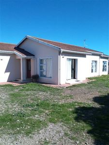 Port Owen property for sale. Ref No: 13371404. Picture no 1