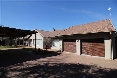 Bloemfontein, Universitas Property  | Houses For Sale Universitas, Universitas, House 8 bedrooms property for sale Price:2,200,000