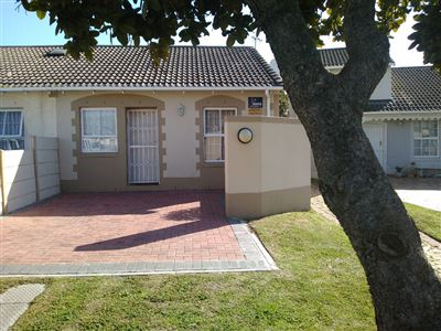 Cape Town, Thornton Property  | Houses For Sale Thornton, Thornton, Townhouse 2 bedrooms property for sale Price:950,000