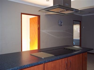 Yzerfontein property for sale. Ref No: 13373313. Picture no 15