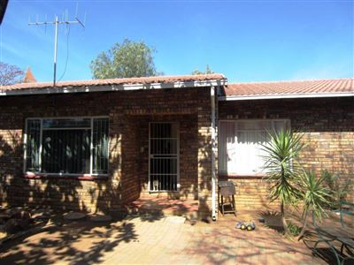 Protea Park & Ext property for sale. Ref No: 13373192. Picture no 1