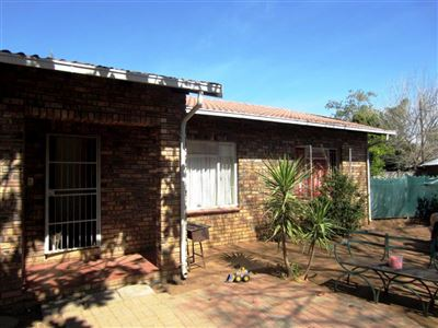 Protea Park & Ext property for sale. Ref No: 13373192. Picture no 2