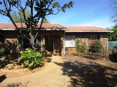 Protea Park & Ext property for sale. Ref No: 13373192. Picture no 3