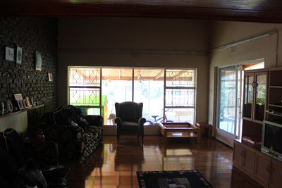 Constantia Kloof property for sale. Ref No: 13373684. Picture no 7