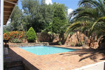 Constantia Kloof property for sale. Ref No: 13373684. Picture no 14