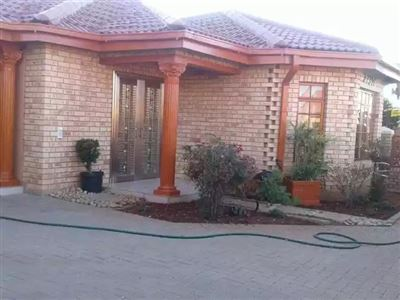 Bloemfontein, Vista Park Property  | Houses For Sale Vista Park, Vista Park, House 3 bedrooms property for sale Price:1,100,000