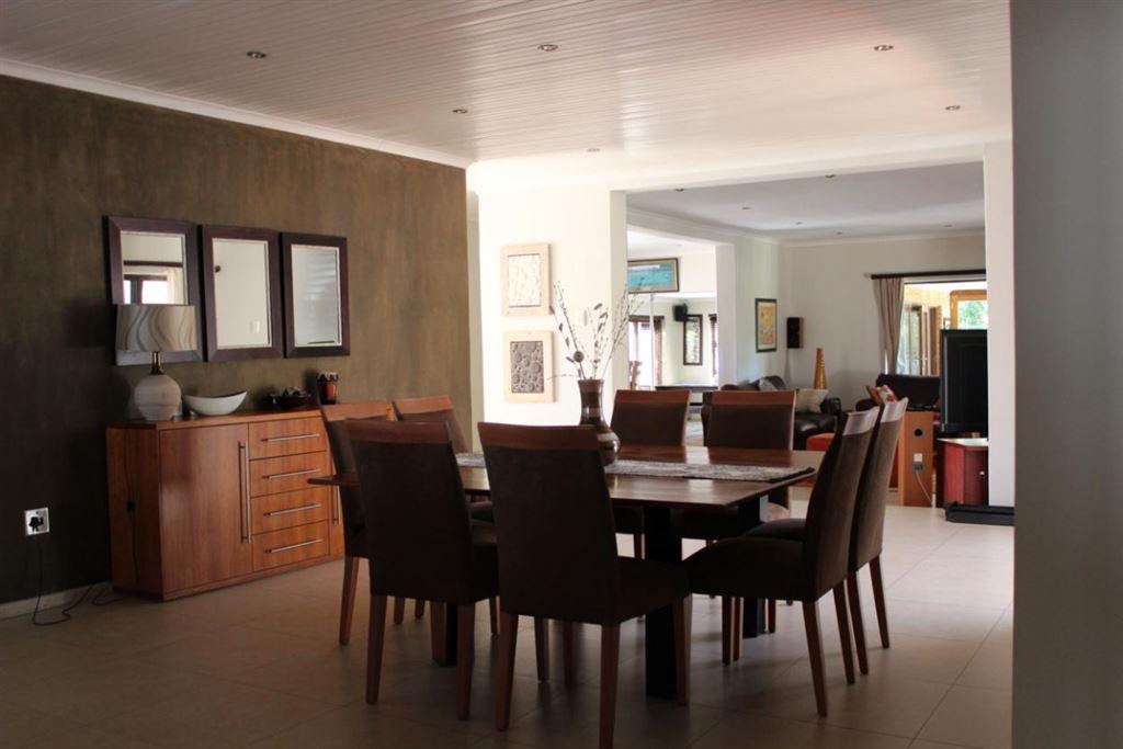 4 Bedroom Entertainer's house in Vergesig, Durbanville