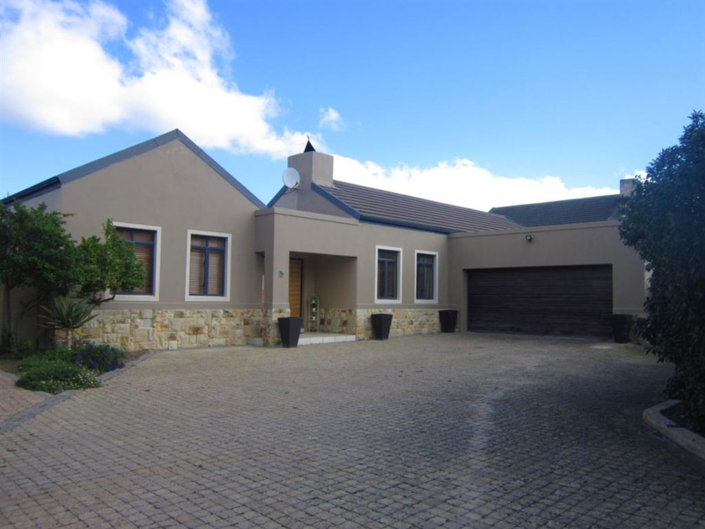 4 Bedroom Family Home in sought after Welgevonden Estate