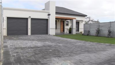 Cape Town, Burgundy Estate Property  | Houses For Sale Burgundy Estate, Burgundy Estate, House 2 bedrooms property for sale Price:1,975,000