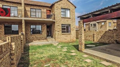 Bloemfontein, Lilyvale Property  | Houses For Sale Lilyvale, Lilyvale, Townhouse 2 bedrooms property for sale Price:800,000