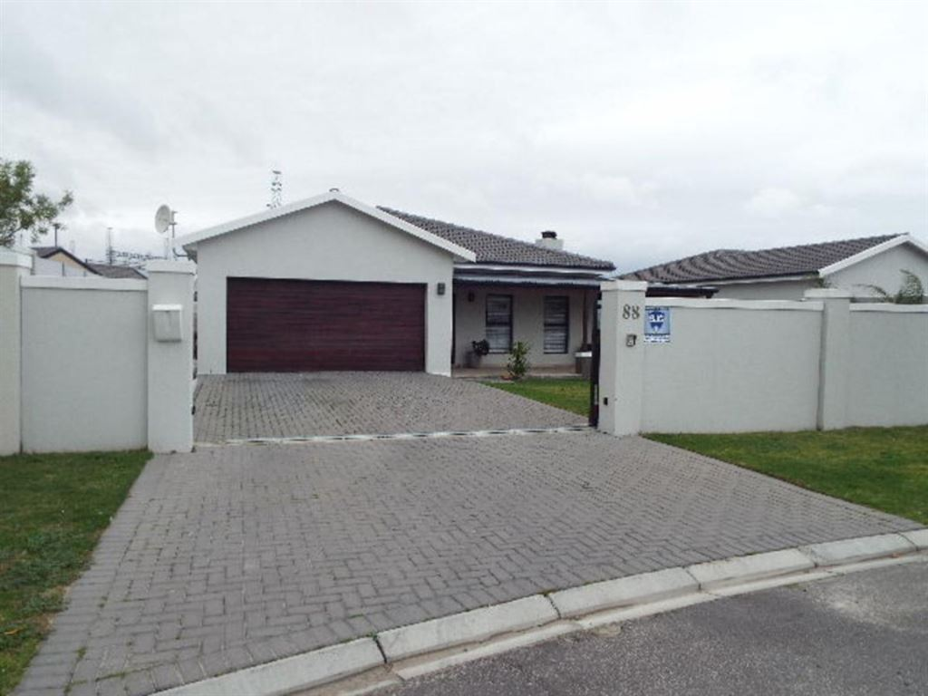 3 Bedroom Home for sale in Sonkring, Brackenfell
