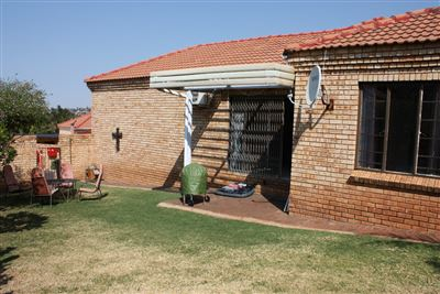 Krugersdorp, Kenmare & Ext Property  | Houses For Sale Kenmare & Ext, Kenmare & Ext, Townhouse 2 bedrooms property for sale Price:925,000