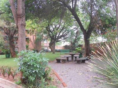 Sinoville property for sale. Ref No: 13376110. Picture no 2