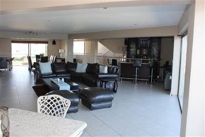 Calypso Beach property for sale. Ref No: 13235063. Picture no 20
