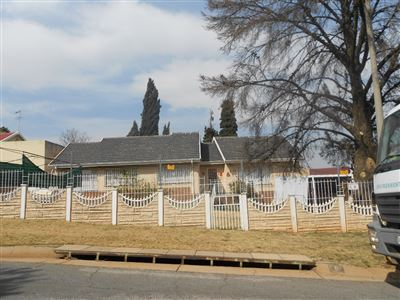 Roodepoort, Lindhaven & Ext Property  | Houses For Sale Lindhaven & Ext, Lindhaven & Ext, House 3 bedrooms property for sale Price:800,000