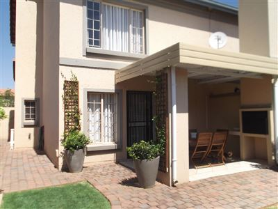 Pretoria, Willow Park Manor Property  | Houses For Sale Willow Park Manor, Willow Park Manor, House 2 bedrooms property for sale Price:920,000